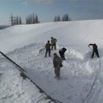 38 Чистка снега с кровли 1) фото